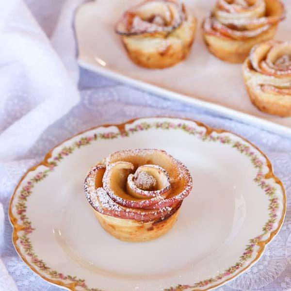 طرز تهیه تارت سیب و خرما به شکل گل رز