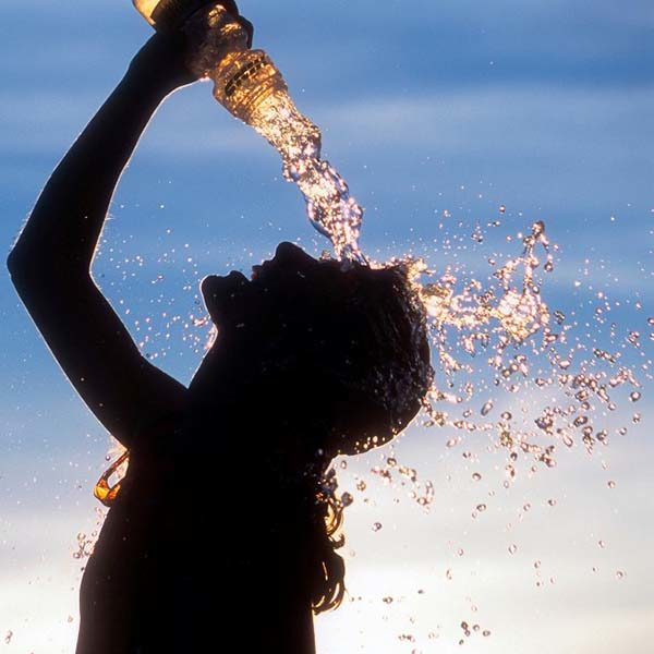 نوشیدنی ها و خوراکی برای گرمازدگی، کنترل علایم و پیشگیری