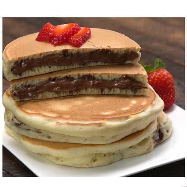 طرز تهیه پنکیک نوتلا برای صبحانه با مغز شکلات