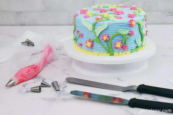 تزیین کیک با انواع ایده ها و روش خامه کشی حرفه ای