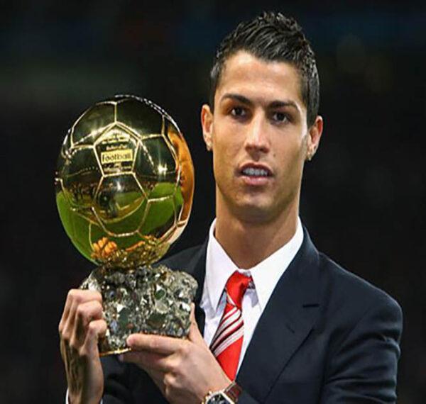 """کریستیانو رونالدو"""" یکی از پولدارترین فوتبالیست های دنیا"""