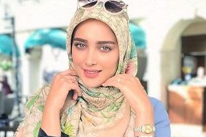 بیوگرافی کامل آناشید حسینی (مدل و طراح لباس ایرانی)