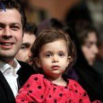 عکس : پژمان بازغی و دخترش در مراسم اختتامیه فیلم فجر