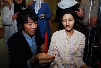 """عکس:"""" جومونگ """" میهمان کودکان سرطانی"""
