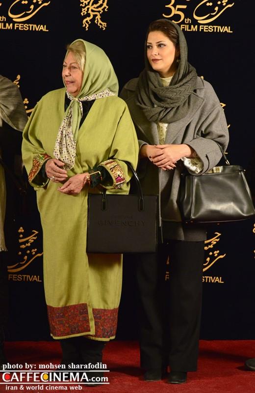 فرش قرمز فیلم «ویلایی ها» در جشنواره فجر ۳۵ با حضور هنرمندان مشهور | از پریناز ایزدیار تا طناز طباطبایی +تصاویر