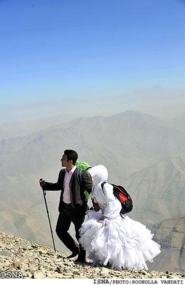عکسهای دیدنی ازدواج دو کوهنورد ایرانی برفراز توچال