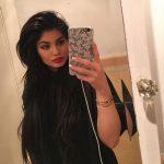 سلفی زیبای کایلی جنر(سوپر مدل و خواهر زیبای کیم کارداشیان) در دستشویی!