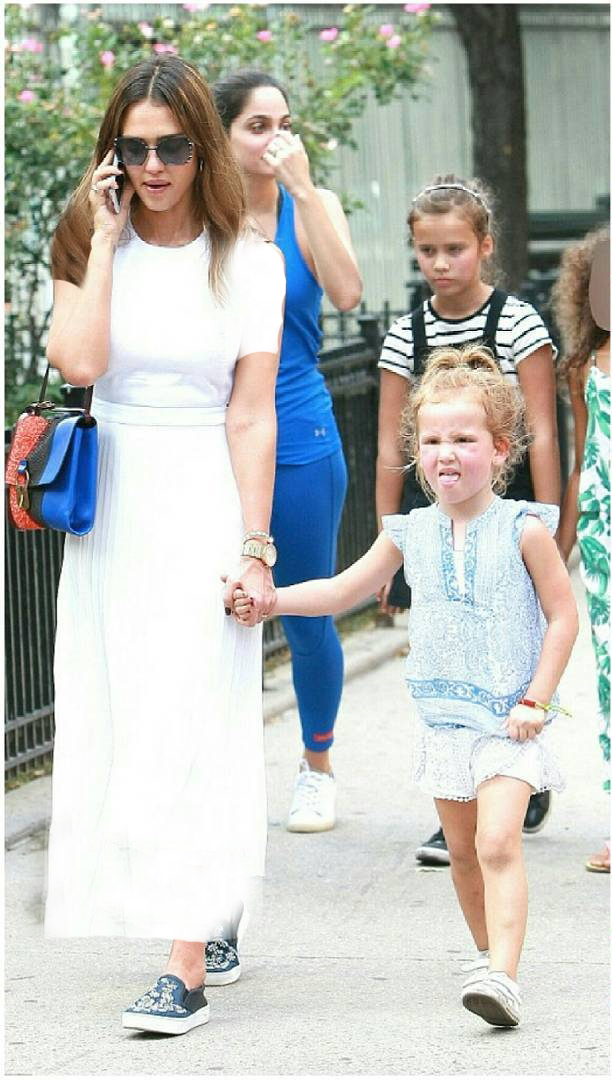 جسیکا البا بازیگر خوشتیپ هالیوودی و دخترش در نیویورک سیتی