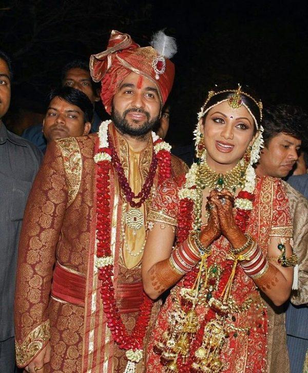 عکسی نوستالژی و جالب از مراسم ازدواج سنتی بازیگر هندی و یک تاجر بزرگ