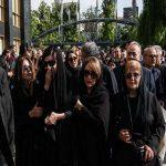 مراسم تشییع پیکر ناصر چشم آذر با حضور چهره های مشهور
