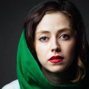 نیلوفر رجایی فر؛ از تحصیل در رویال لندن انگلستان تا بازی در نقش دختر داعشی!| سبک زندگی افراد مشهور (۲۳۵)