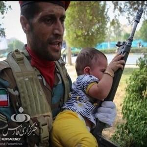 واکنش های متفاوت چهره های مشهور به حمله تروریستی اهواز | از مهراب قاسمخانی تا پریناز ایزدیار (۳)