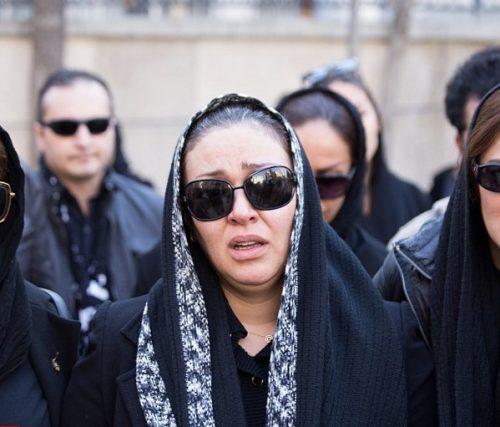 مراسم تشییع پیکر پیام صابری با حضور چهره های مشهور (۱)| از گریه های تلخ زیبا بروفه تا بغض امین حیایی!