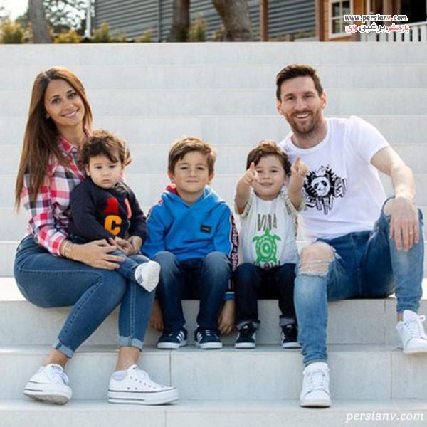 مسی در کنار همسر و سه پسرش