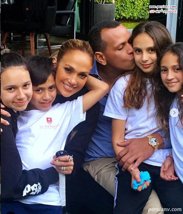 عکس جنیفر لوپز خواننده با خانواده