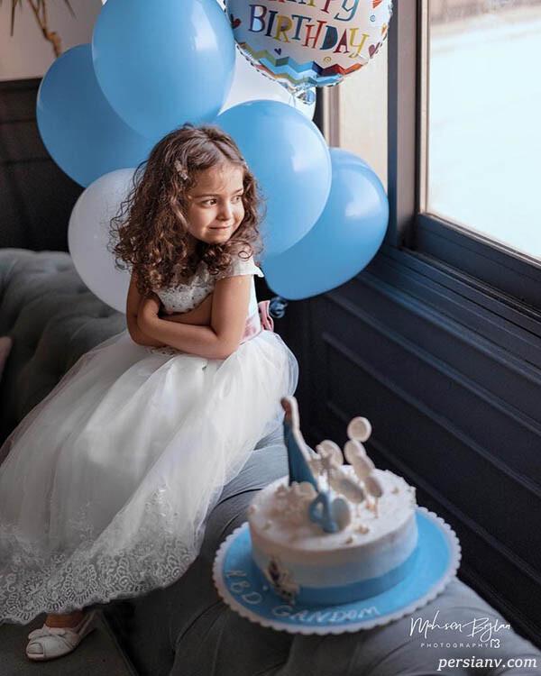 تولد دختر آزاده نامداری