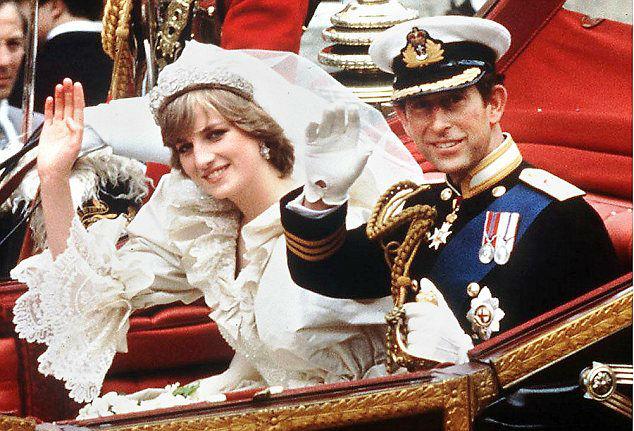 ازدواج ستاره های هالیوود و افراد مشهور با ۱۶ مورد ازپرهزینه ترین مراسم عروسی آنها آشنا شوید