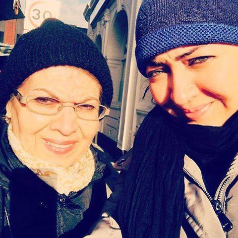 سلفی نیکی کریمی و مادرش در لندن + عکس