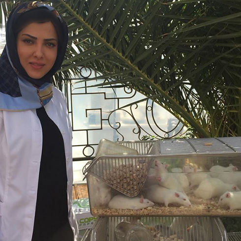 عکس بامزه لیلا اوتادی با موش های آزمایشگاهی !