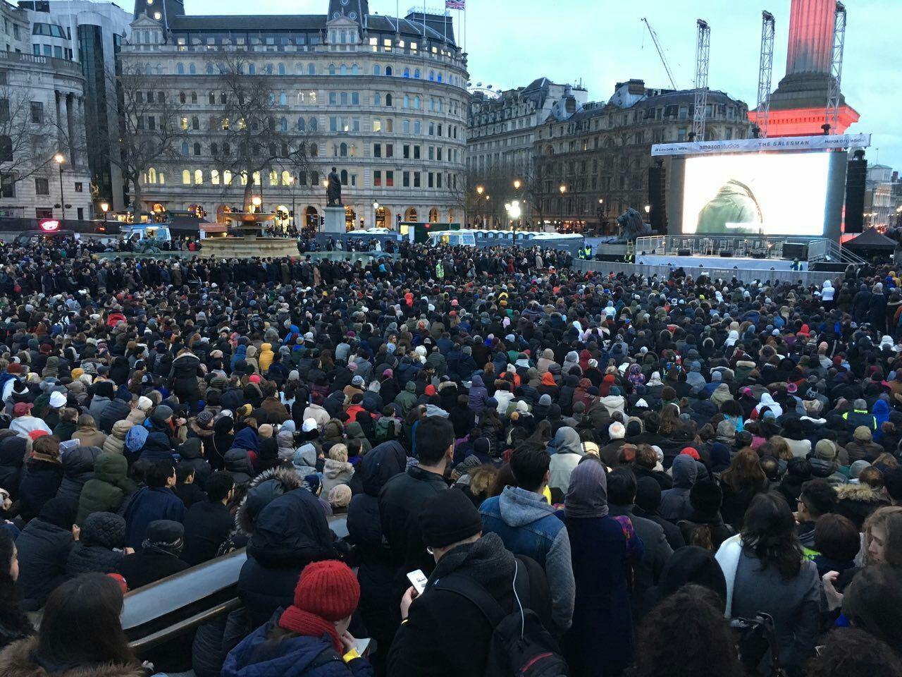 فروشنده ، میدان ترافالگار لندن را به هم ریخت | حضور بیش از ۱۰ هزار نفر در این مکان+تصاویر