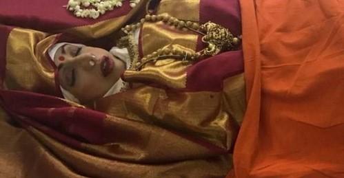 مراسم خاکسپاری سری دیوی
