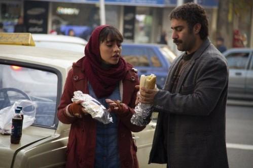 اکران فیلم سینمایی فراری