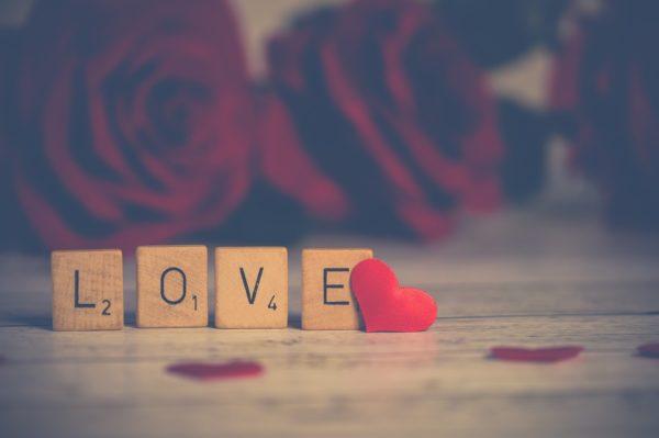تاثیر آهنگهای عاشقانه در ساخت یک رابطه مناسب