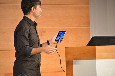 مایکروسافت از ویندوز ۱۰ نسخه موبایل خود رونمایی کرد+عکس