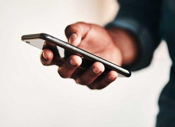 با دنیای بی نظیر و پر از خلاقیت گوشی های موبایل همراه شوید