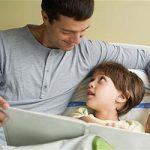 فایده شعر خواندن و داستان خواندن برای کودک