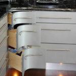 کابینت گوشه آشپزخانه با طراحی کاربردی