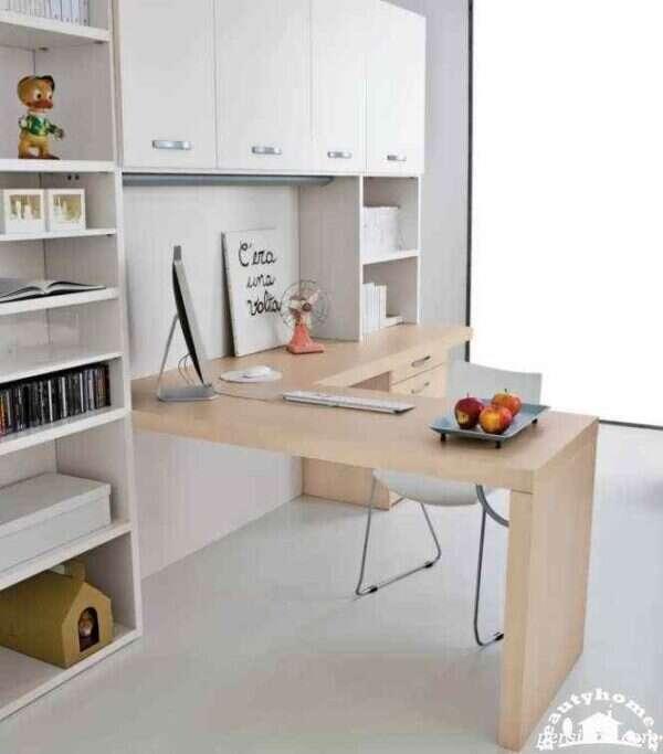 میز کامپیوتر کودک