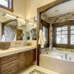 طراحی شیک و مدرن دیوار حمام با سنگ های آنتیک