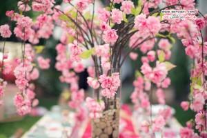 دکوراسیون بهاری جذاب با استفاده از شاخه های شکوفه گیلاس +عکس