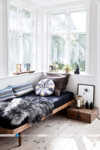 کاناپه های راحتی بدون پشتی
