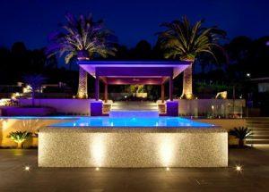 نورپردازی خیره کننده برای استخر خانه های مدرن باید اینگونه باشد+تصاویر