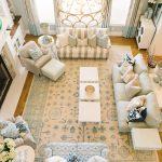دکوراسیون جذاب یک خانه رویایی با ترکیب رنگ آبی و سفید