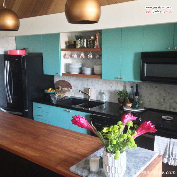 آشپزخانه با دیوار آبی