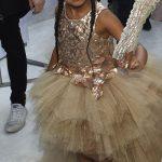 تیپ عجیب و دیدنی بیانسه و دخترش در فرش قرمز مراسم MTV +عکس