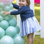 دختر کیت میدلتون در تولد دو سالگی اش با موهای بلند و دیدنی +عکس