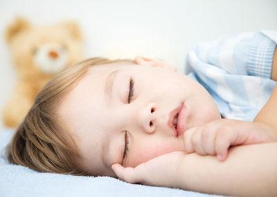 وضعیت مرموز پسربچه ای که یازده روز کامل خوابید!