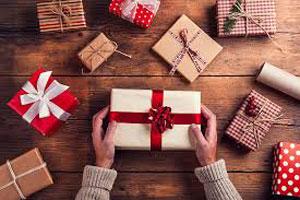 مردی که هدیه معشوقه اش را ۴۷ سال باز نکرده باقی گذاشته است!
