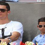 عکس های تبلیغاتی فوتبالیست معروف کریستیانو رونالدو و پسرش