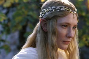 زنی که با الهام از فیلم ارباب حلقه ها تبدیل به یک شخصیت فانتزی شد!