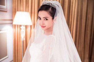 لباس عروس عجیب غریب ساخته شده از کیسه های سیمان!