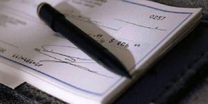 مسئولیت امضاکنندگان چک در قانون به چه صورت است؟