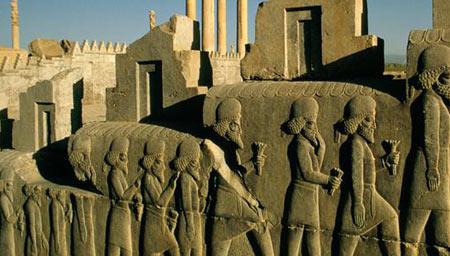 ایران باستان و اشکال خانواده ها و طرز زندگی آنها در جامعه