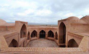 کاروانسراها در تاریخ ایران چه نقشی را ایفا میکردند