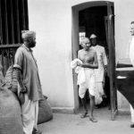 ۲ اکتبر روز تولد گاندی را روز جهانی بدون خشونت نامگذاری کرده اند / بیوگرافی گاندی