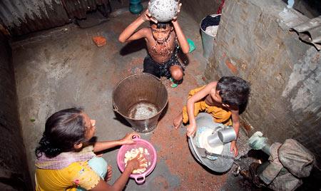روز جهانی ریشه کنی فقر در ۱۷ اکتبر